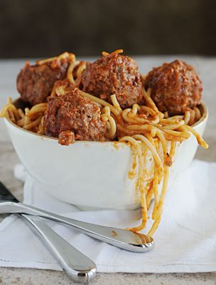 A Thankful Belly {Recipe: Mom's Spaghetti and Meatballs}
