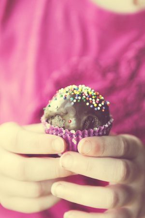 Alluring Cake Balls {Recipe: Thin Mint Chocolate Cake Balls}