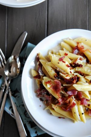 August 2011 Strut Your Stuff {Recipe: Bacon and Parmesan Pasta}