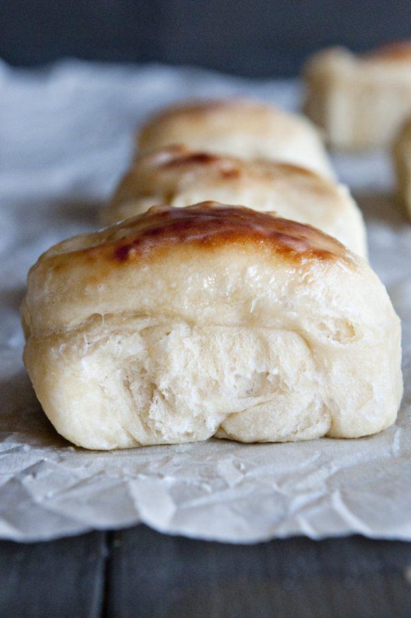 buttery dinner rolls print the best buttery dinner roll recipe around ...