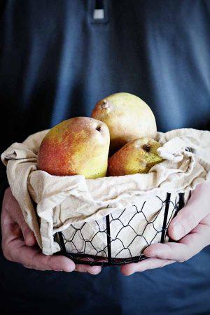 Harry & David Organic Royal Riviera Pears Giveaway