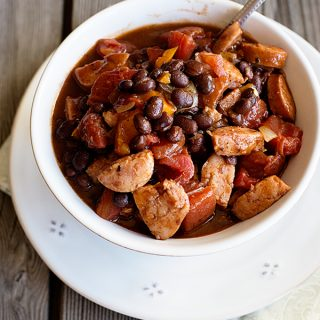 Simple Smoked Sausage Chili Recipe from dineanddish.net