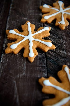 Butterscotch Gingerbread Cookies Recipe {Merry Christmas}