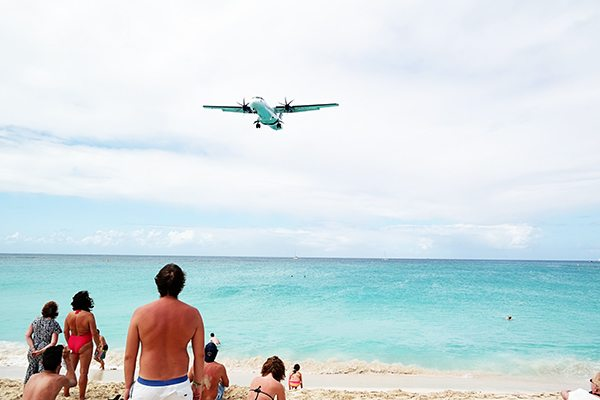 airplane beach in st maarten
