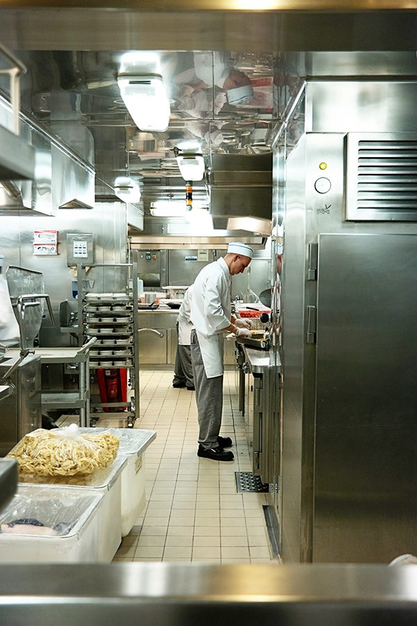 regal-princess-kitchen
